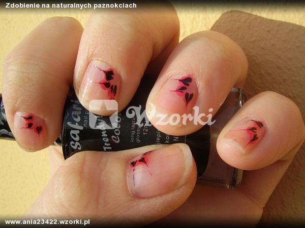 Zdobienie na naturalnych paznokciach