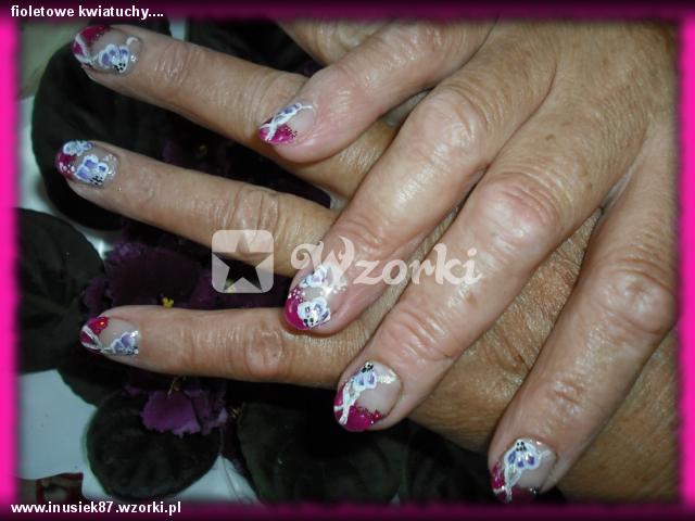 fioletowe kwiatuchy....