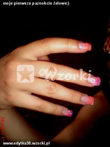moje pierwsze paznokcie żelowe:)