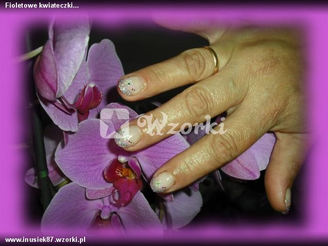 Fioletowe kwiateczki...