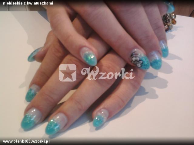 niebieskie z kwiatuszkami
