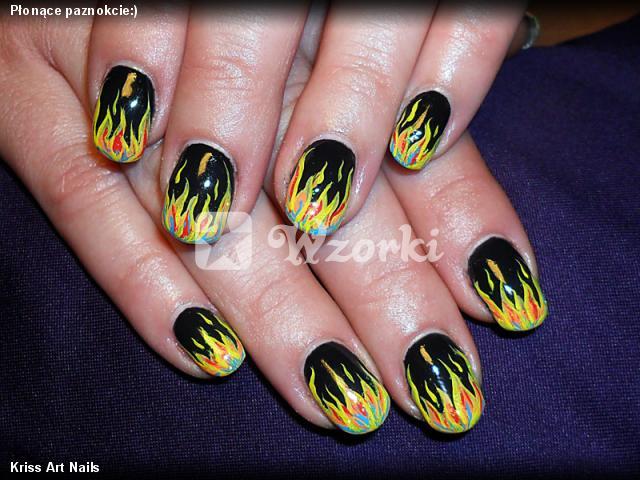 Płonące paznokcie:)