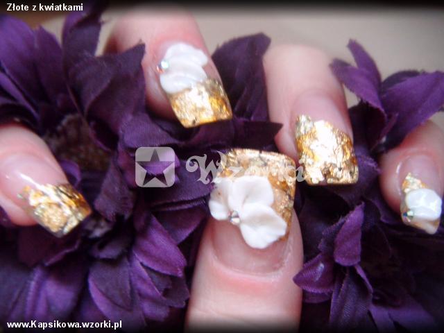 Złote z kwiatkami
