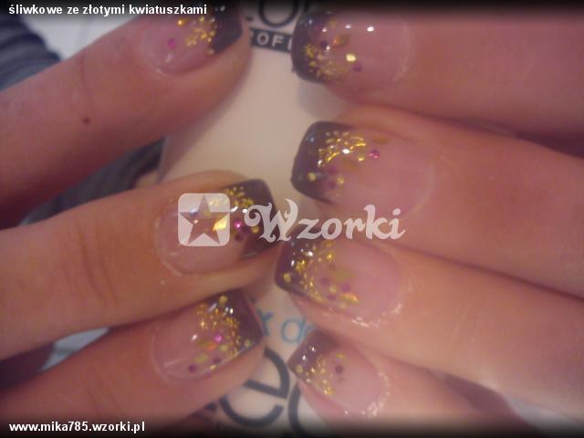 śliwkowe ze złotymi kwiatuszkami