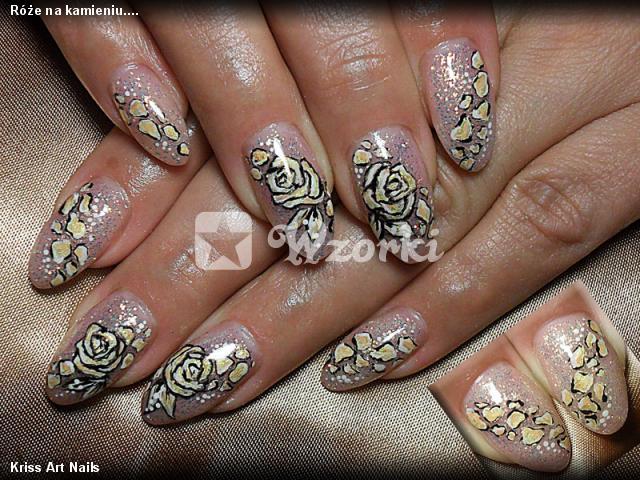Róże na kamieniu....