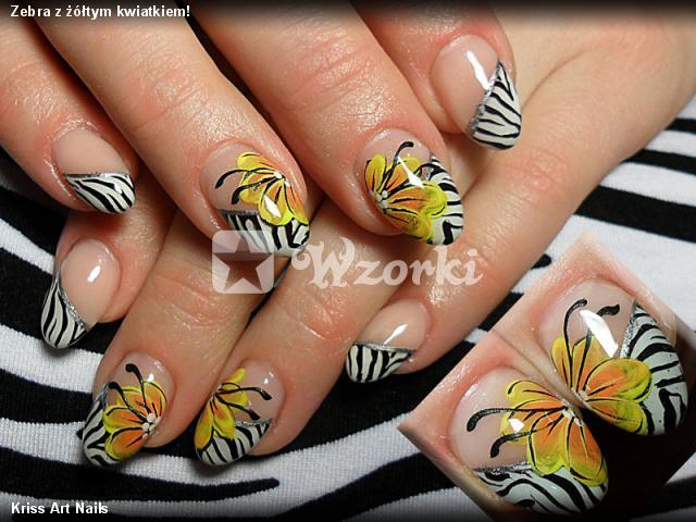 Zebra z żółtym kwiatkiem!