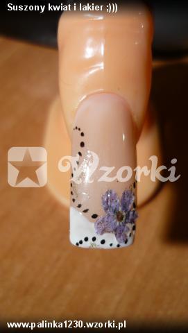 Suszony kwiat i lakier ;)))