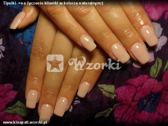 Tipsiki-->na życzenie klientki w kolorze naturalnym:)