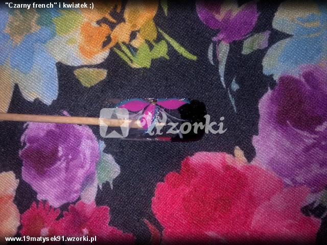 """""""Czarny french"""" i kwiatek ;)"""