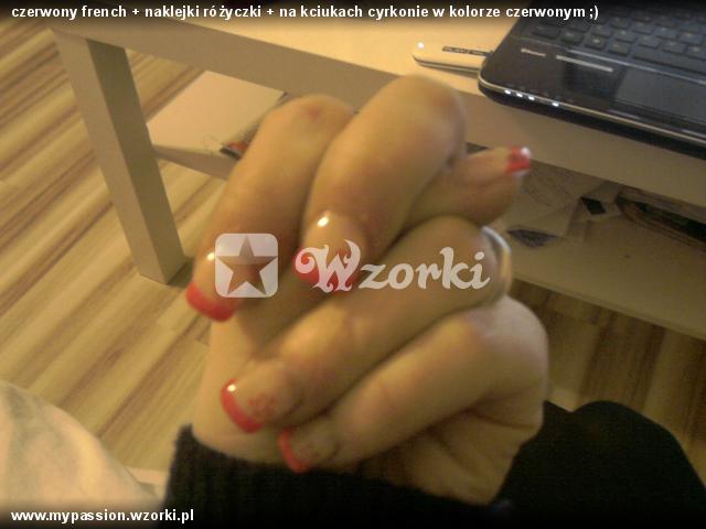 czerwony french + naklejki różyczki + na kciukach cyrkonie w kolorze czerwonym ;)