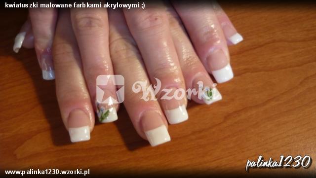 kwiatuszki malowane farbkami akrylowymi ;)
