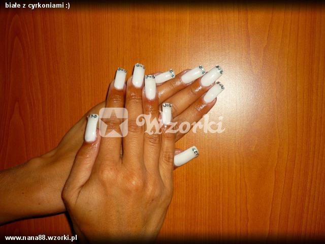 białe z cyrkoniami :)