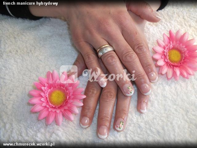 french manicure hybrydowy