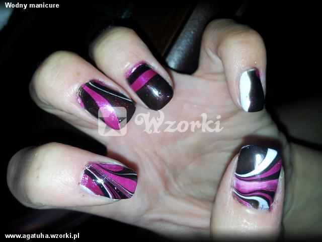 Wodny manicure