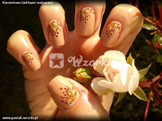 Karmelowe-farbkami malowane