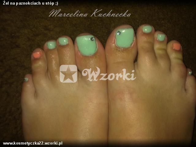 Żel na paznokciach u stóp ;)