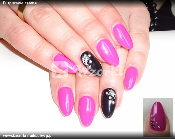 Purpurowo czarne