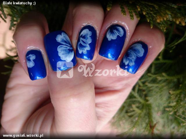 Białe kwiatuchy ;)
