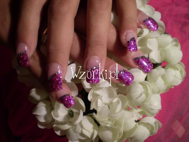 fioletowy brokat