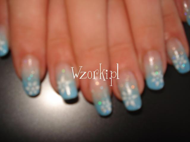 cieniowane niebieskie z kwiatuszkiem :P
