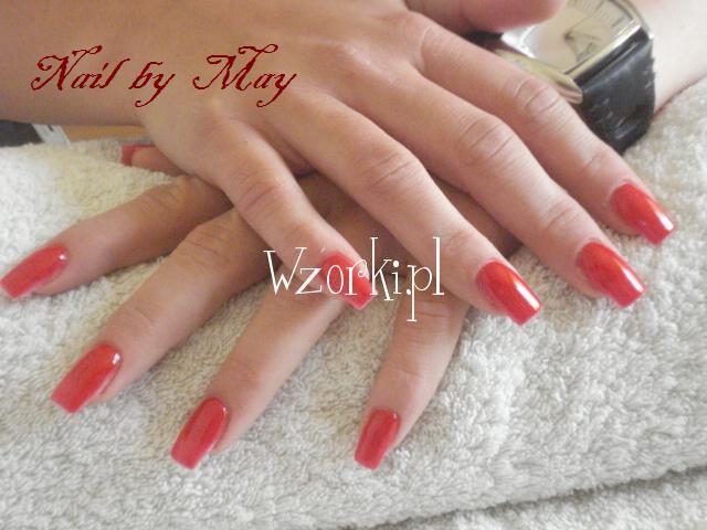 Gładka czerwień odważnie i pięknie:)
