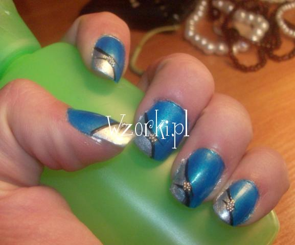 niebieski :)
