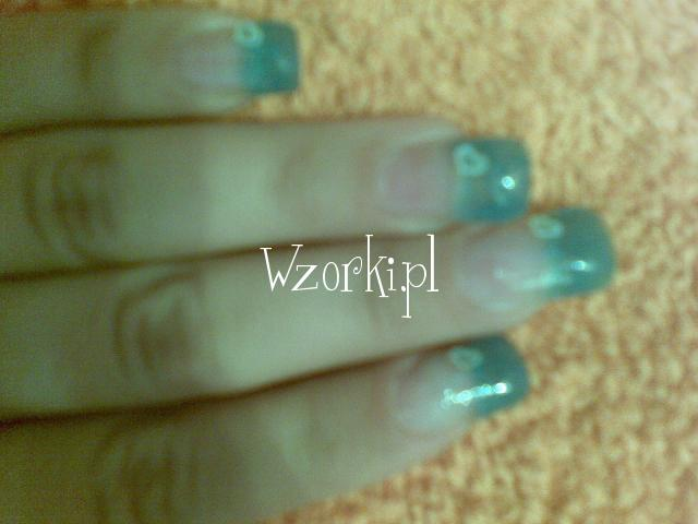 niebieski brokat