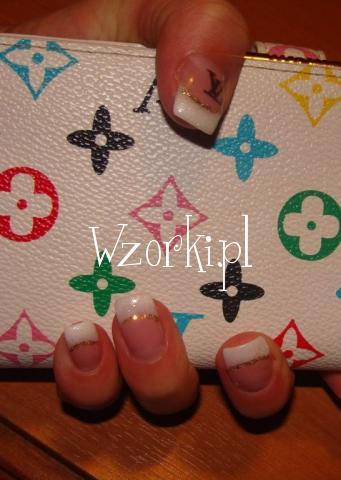 paznokcie żelowe z logo :)