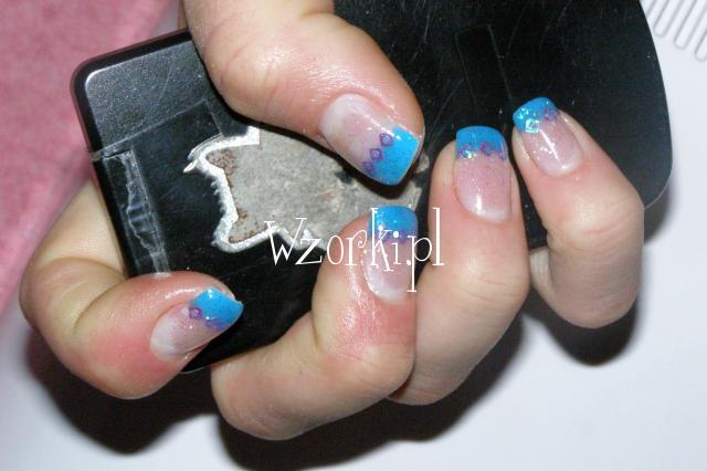 Niebieski żel + kwadraty + brokat