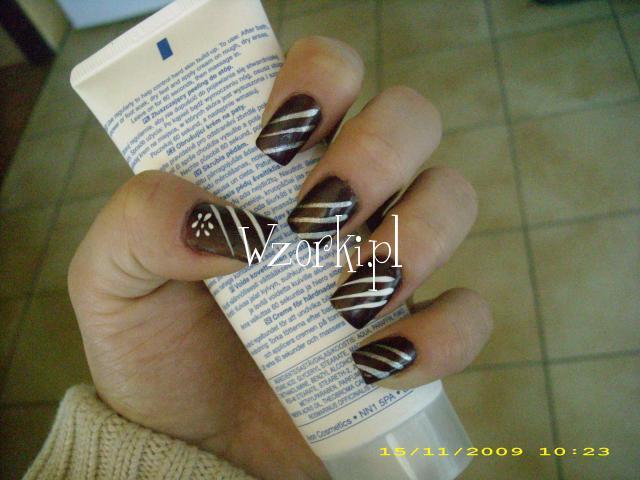 brązowy lakier i linery