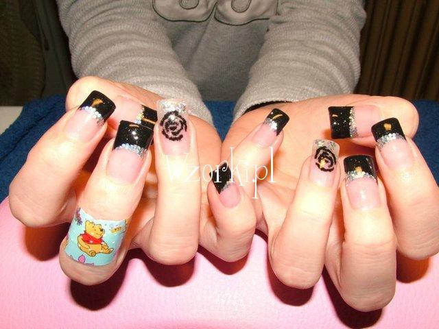 Czarno-srebrne paznokcie