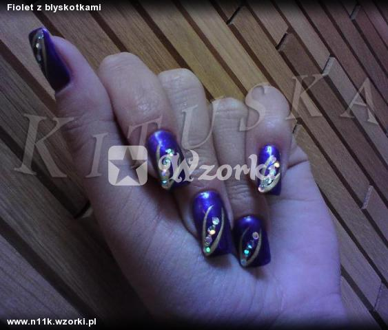 Fiolet z blyskotkami