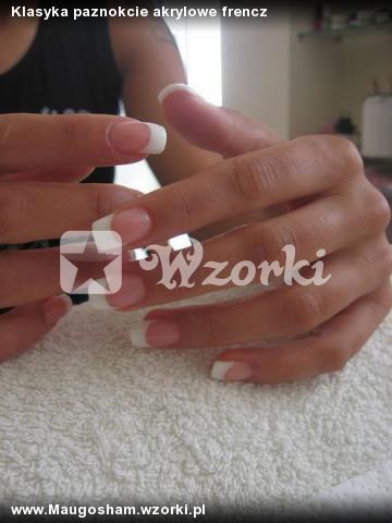 Klasyka paznokcie akrylowe frencz