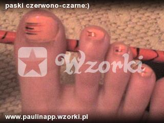 paski czerwono-czarne:)