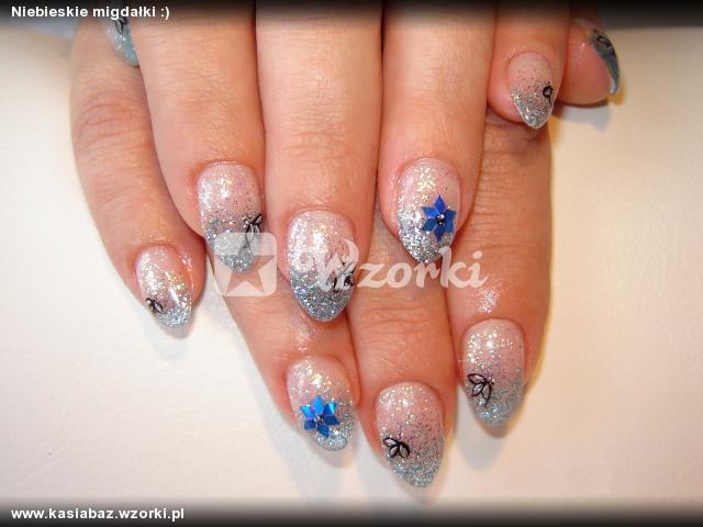 Niebieskie migdałki :)