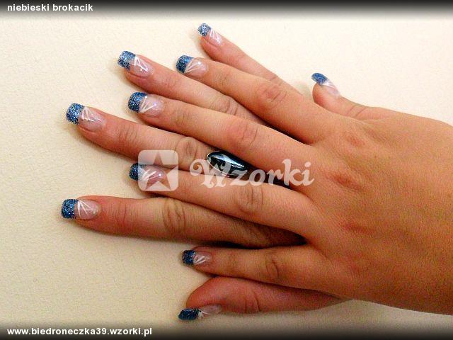 niebieski brokacik